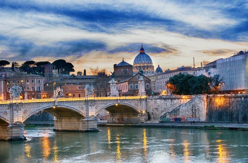7 libri ambientati a Roma da leggere assolutamente (e qualche classico da non perdere)